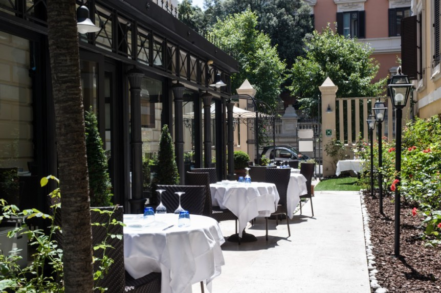 The Rose Garden Palace Hotel: A Rose In Bloom Just Off Romeu0027s Via Veneto