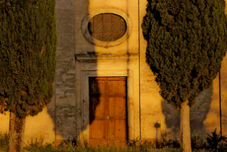 calendar-tuscany-chapel