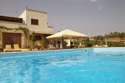 www.tripadvisor.com/VacationRentalReview-g580227-d1919899-Casa_Sergio_Alberbello_Province_of_Bari_Puglia.html