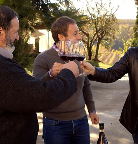 DoI-S1---Piedmont---Kathy-Toasts-with-Vineyard-Owner-Carlo-Balbo