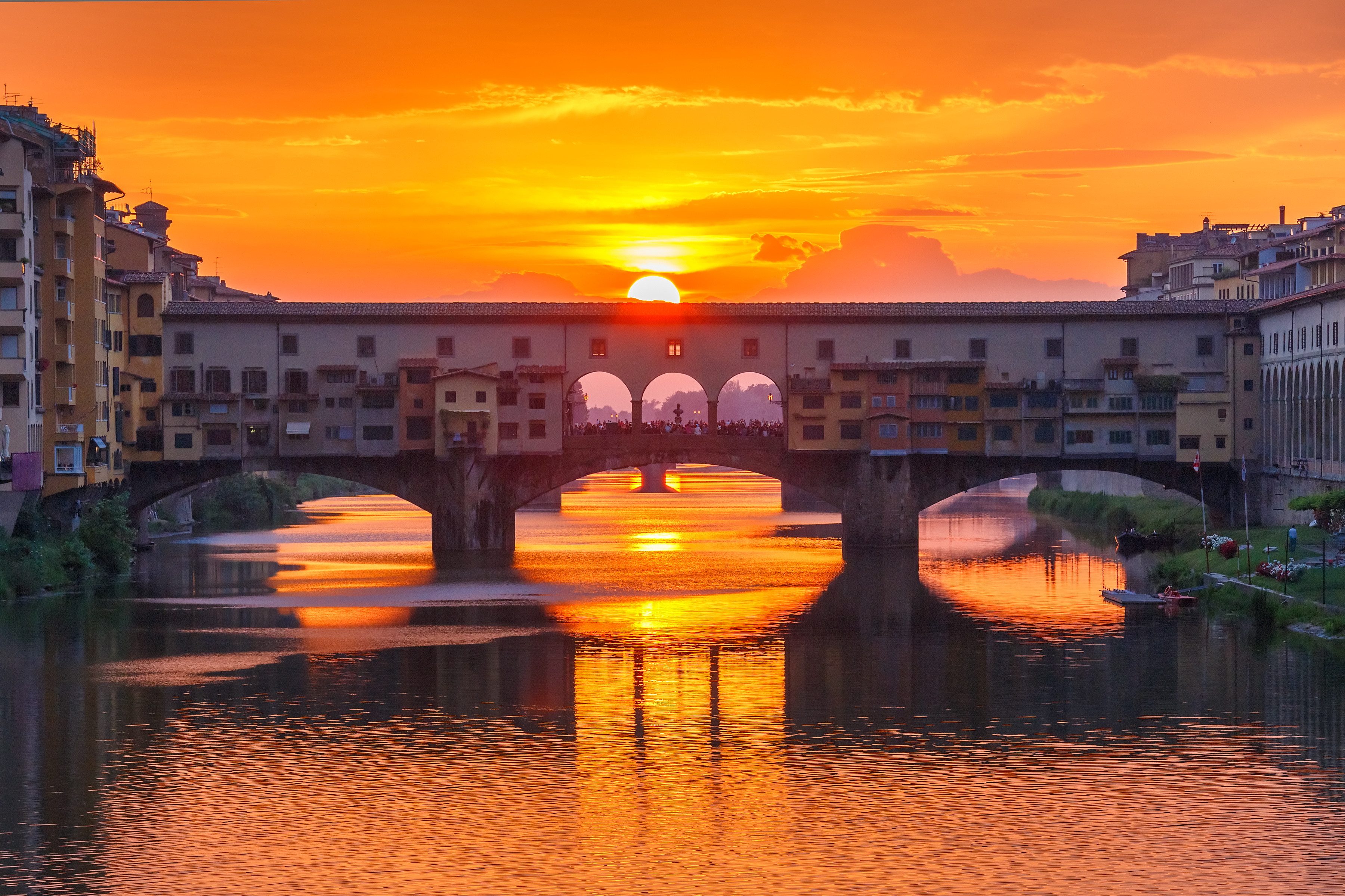 ponte-vecchio-bridge-at-night
