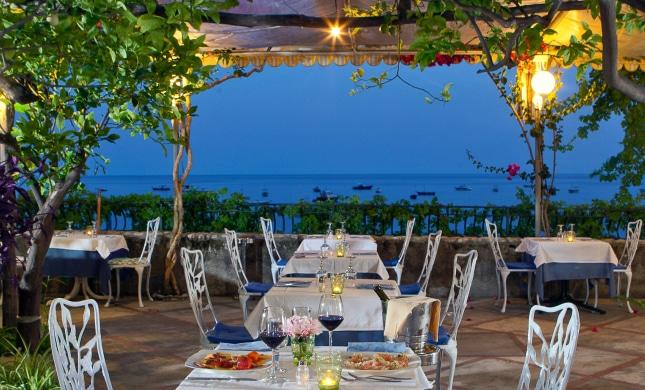 Best Seaside Restaurants On The Amalfi Coast Dream Of Italy