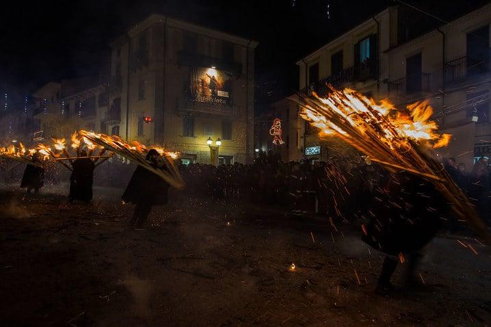 Molise: Torchlight Parade - Dream of Italy